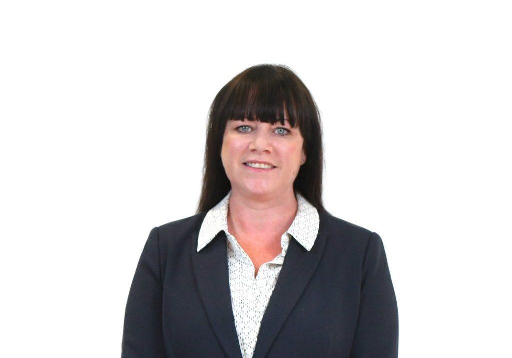 Susan M - full colour - headshot